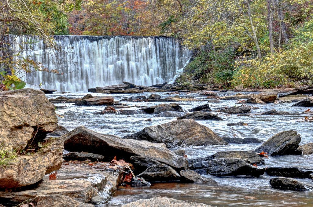 Vickery Creek Falls